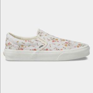Vans Classic Slip-On Vintage Floral Sneakers